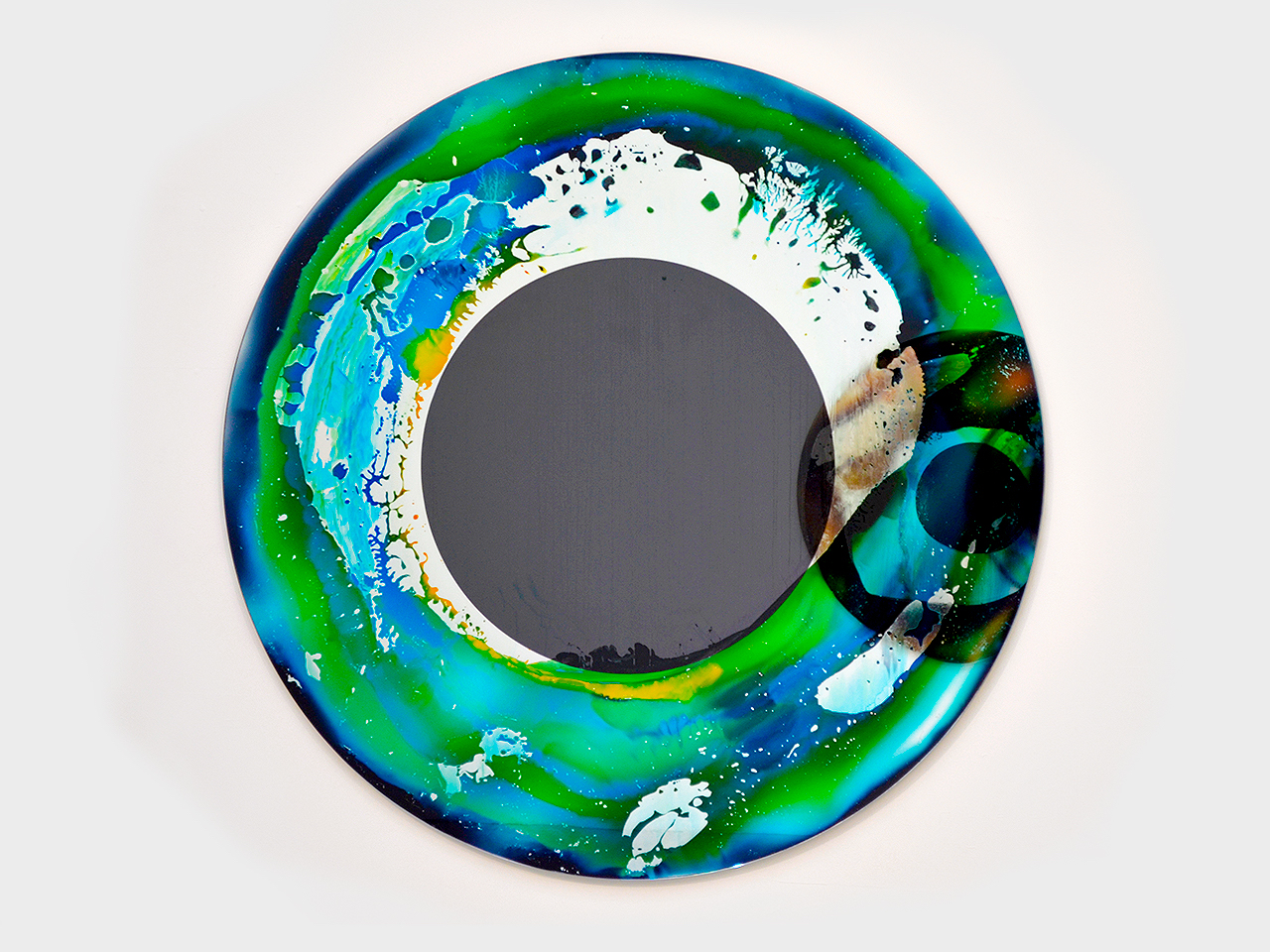 big pupils, 2019 glass UV glue, 150 cm