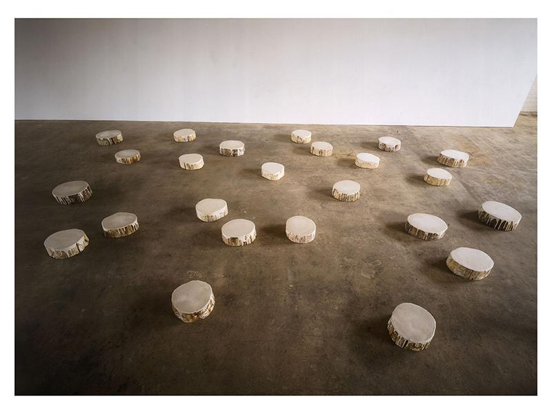 Günther Uecker. White Tears, 1992, White distemper, linen, wood © VG Bild-Kunst, Bonn