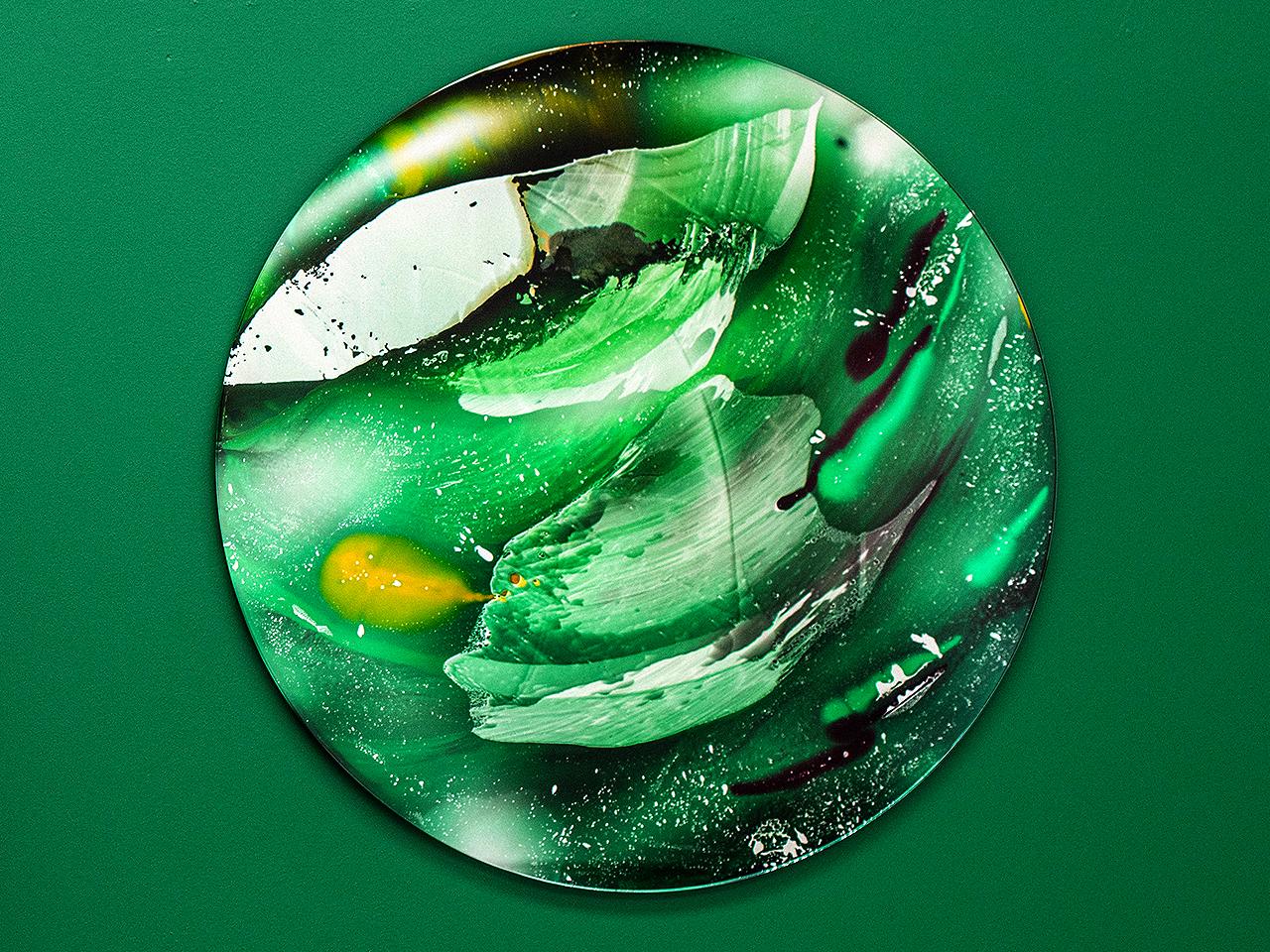 greenscreen webcam, 2019 glass UV glue, 96 cm