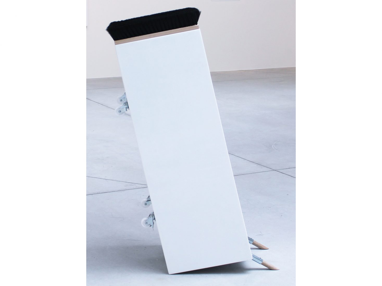 Michail Michailov. Pedestal #2, 2020, object, 137x40x60 cm